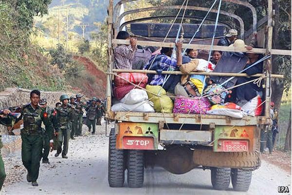 মিয়ানমার থেকে পলায়নকারীদের জন্য সীমান্ত খুলে দিয়েছে চীন