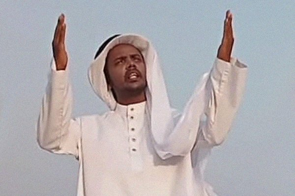 এবার আরবি ভাষায় গান গাইলেন হিরো আলম (ভিডিও)